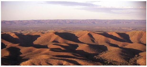 Take an excursion to Uluru